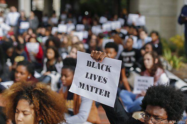 Stadt Ferguson wird auf Schadenersatz verklagt