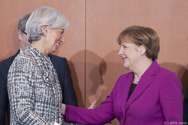 IWF-Chefin Lagarde mit deutscher Kanzlerin Merkel