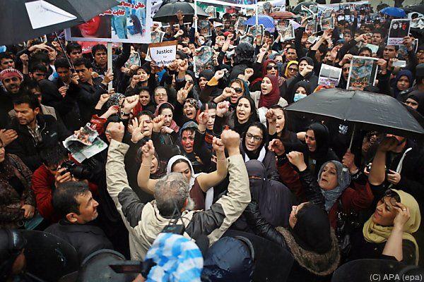 """Rund 3.000 Menschen rufen nach """"Gerechtigkeit"""""""