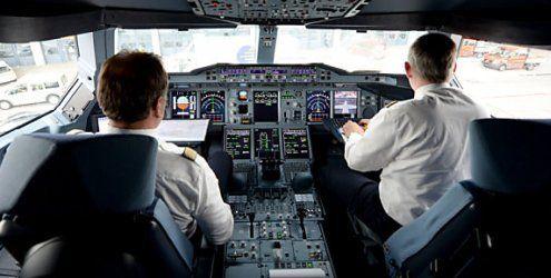 Der gläserne Pilot? Debatte um Lockerung der Schweigepflicht