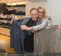 Stars beim Carlings Jeans Store Opening