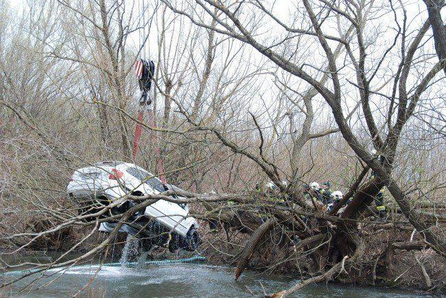 Ein spektakulärer Verkehrsunfall ereignete sich zwischen Achau und Maria Lanzendorf