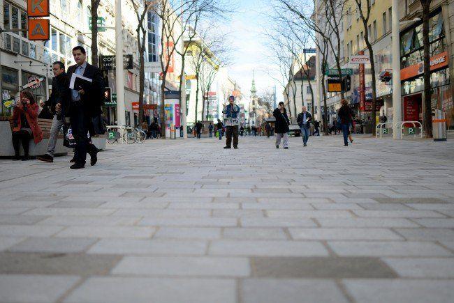 Die Mariahilfer Straße wird noch saniert, der Vienna City Marathon 2015 führt dennoch darüber.