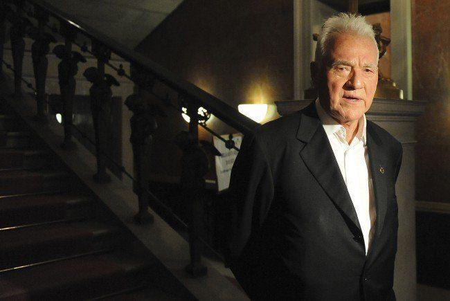 Frank Stronach unterstützt seine Partei beim Wahlkampf zur Landtagswahl in der Steiermark.