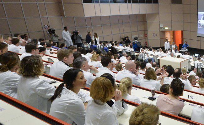 Wiener Spitalsärzte drängen bei Betriebsversammlung auf Verhandlungslösung bis Anfang Mai