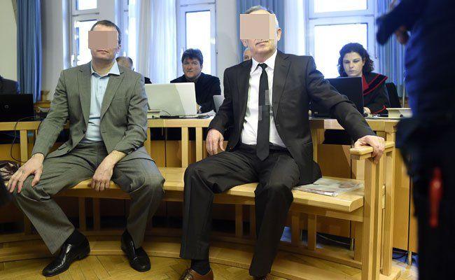 Die beiden Angeklagten Vadim Koshlyak und der ehemalige Chef des kasachischen Geheimdienstes KNB Alnur Mussayev