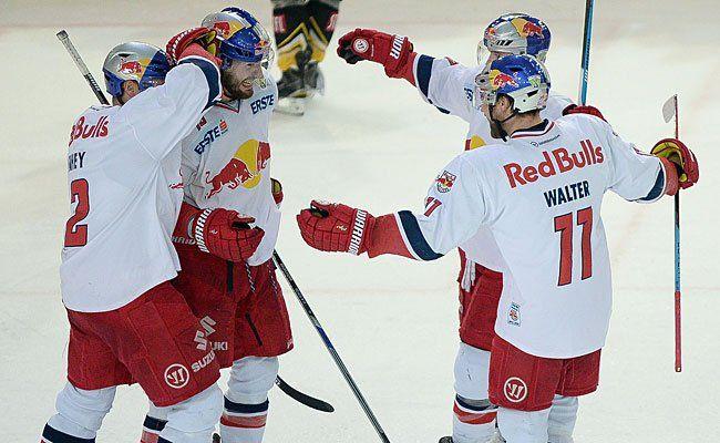 Jubel bei EC Red Bull Salzburg zum 5:1 gegen die Vienna Capitals