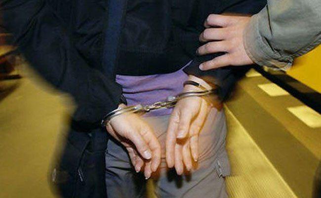 Eine vermeintliche Diebin wurde inflagranti beim Diebstahl ertappt und festgenommen