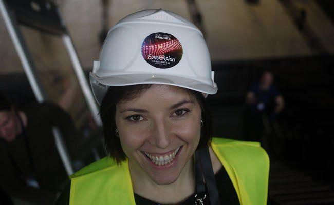 Hemma-Marlene Prainsack bei der Arbeit in der Stadthalle.