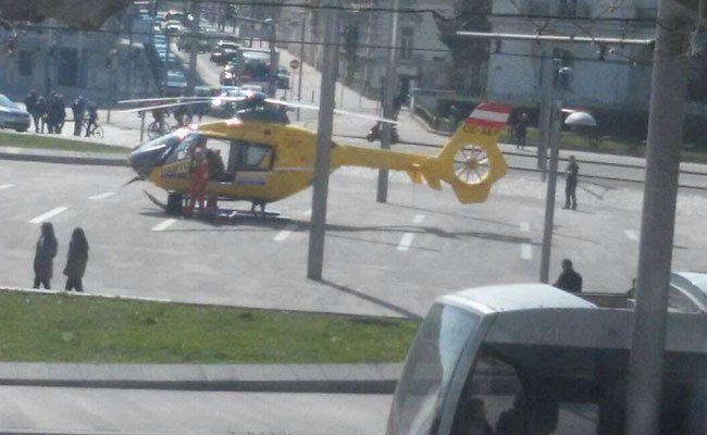 Der Rettungseinsatz am Schwarzenbergplatz