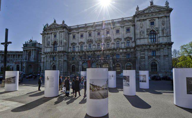 """Ausstellung am Heldenplatz: """"41 Tage - Kriegsende 1945. Verdichtung der Gewalt"""""""