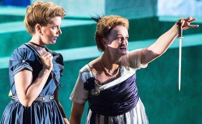 Verena Gunz und Magdalena Anna Hofmann bei den Bregenzer Festspielen