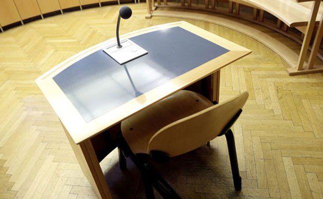 Wildfremden gewürgt: Prozess in Wien.
