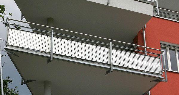 Die Männer sprangen in Donaustadt von einem Balkon
