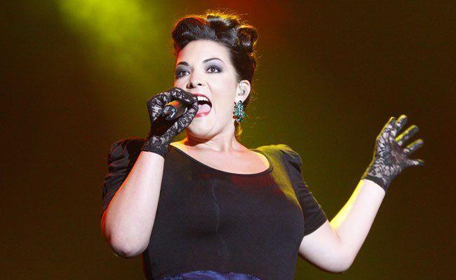 Caro Emerald tritt im Rahmen des Jazz Fests in Wien auf.
