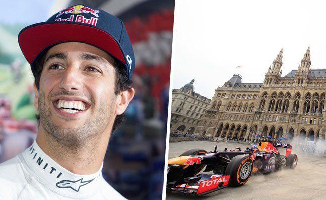 Daniel Ricciardo gab am Wiener Rathausplatz ordentlich Gas.
