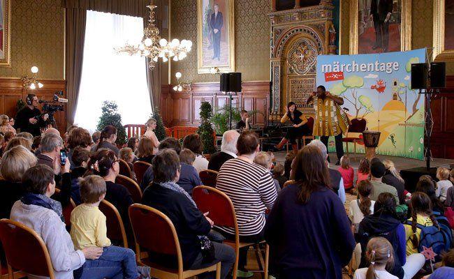 4.000 Besucher waren am Mittwoch und Donnerstag bei den Märchentagen im Rathaus.