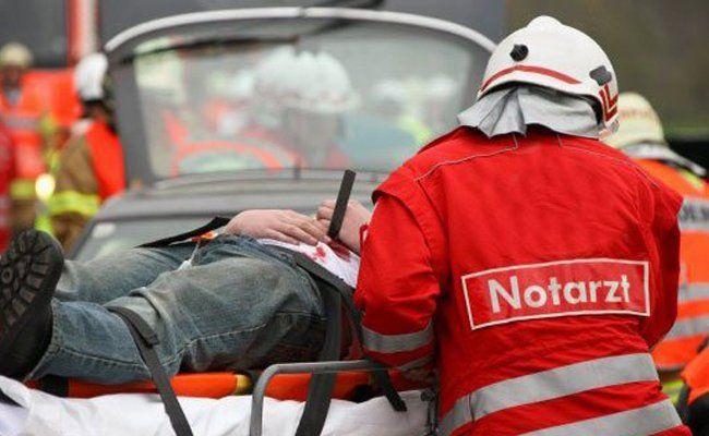 Durch den Unfall wurde ein Mann schwer verletzt.