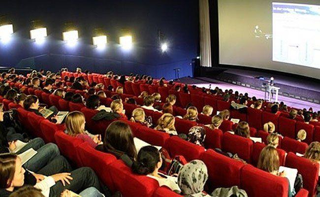 Musik, Film, Podiumsdiskussionen und mehr beim Poolinale Festival.