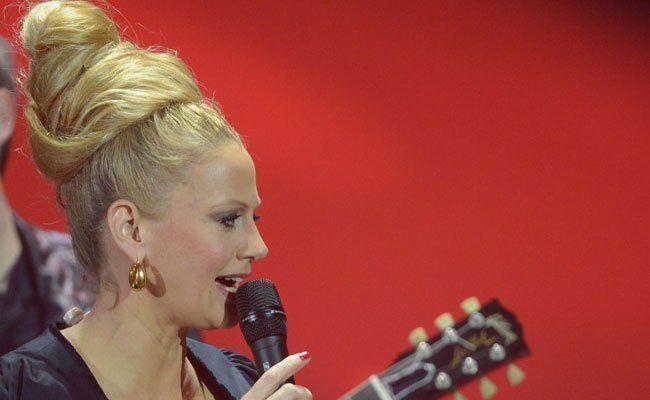 Moderatorin Barbara Schöneberger hat schon durch den Vorentscheid in Deutschland geführt.