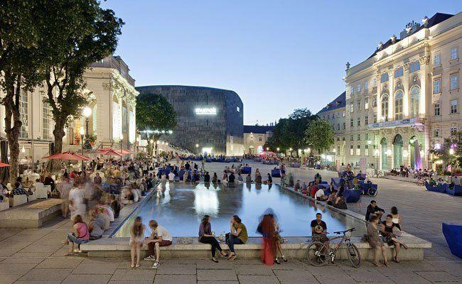 Der Sommer im MQ erfreut sich in Wien jährlich großer Beliebtheit.