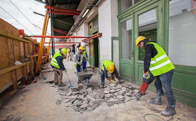 Die Bauarbeiten in der U6-Station dauern bis August.