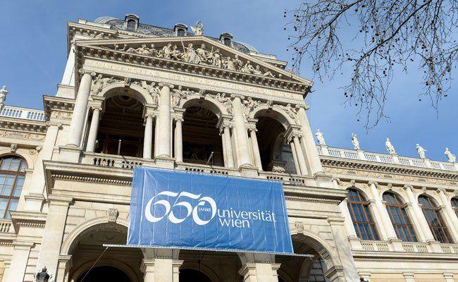 Die Uni Wien feiert ihr 650-jähriges Jubiläum mit einer Ausstellung zum Alten AKH.