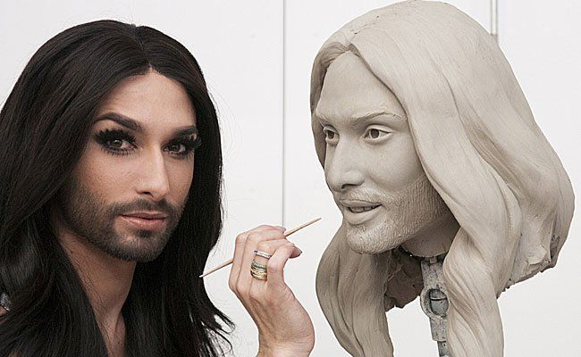 Conchita Wurst beim zweiten Sitting für ihre Wachsfigur bei Madame Tussauds in London