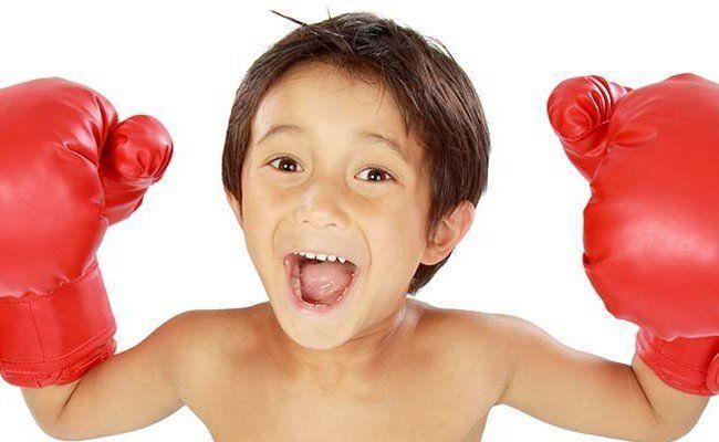 Hier sind ein paar Tipps, um den Kindern die Zeit aktiv mit Kampfsport zu verkürzen.