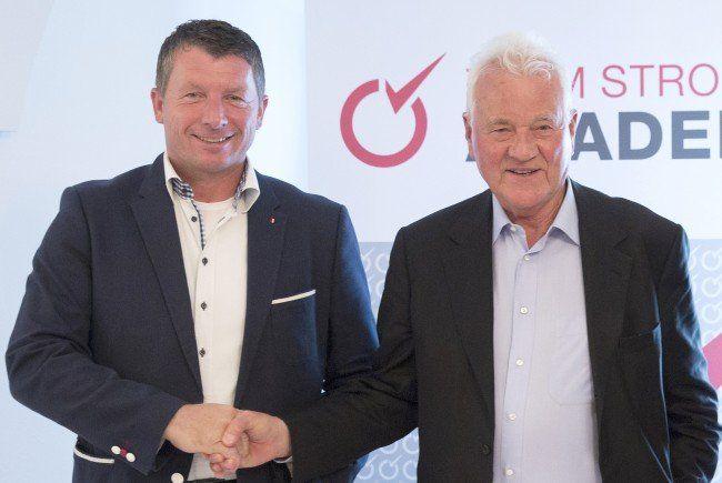 Josef Kaltenegger und und Frank Stronach nach einer Pressekonferenz