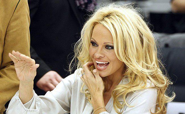 Pamela Anderson beim Wien-Besuch 2012 in der Lugner City