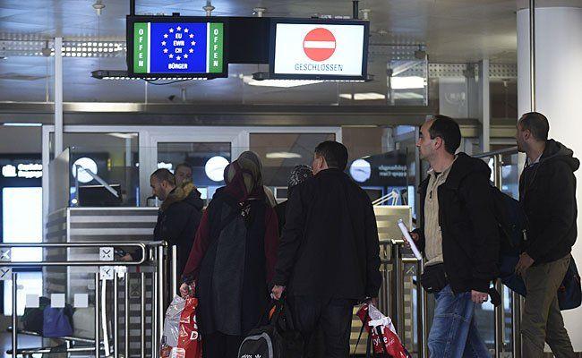 Flughafen-Securitys sollen Flüchtlinge ins Ausland geschmuggelt haben