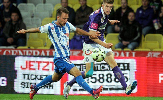 Beim Spiel: Marko Kvasina (Austria/r.) gegen Tobias Kainz (Wr. Neustadt)