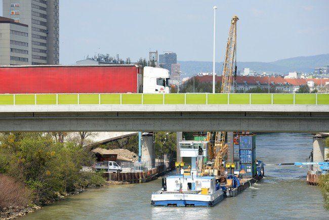 Bei der Erdberger Brücke passierte das Unglück.