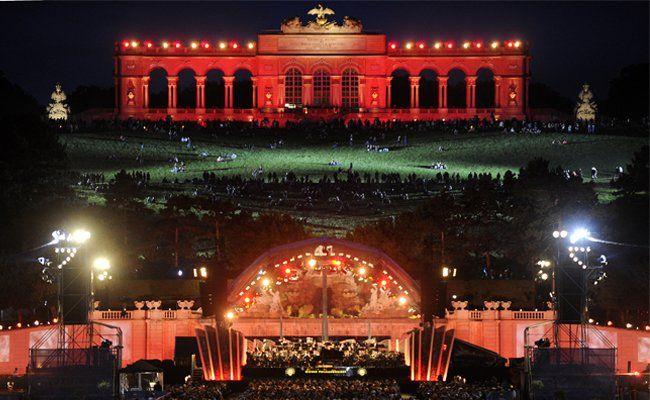 Auch heuer bringen die Wiener Linien tausende BesucherInnen zum Sommernachtskonzert der Wiener Philharmoniker