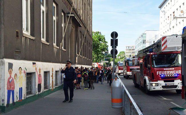 Schule in Brigittenau evakuiert.