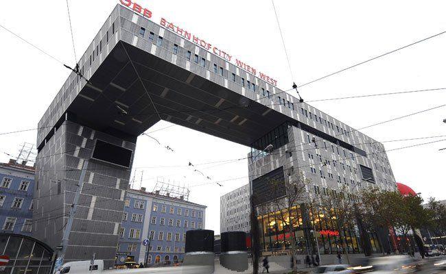 Zwei mutmaßliche Diebe wurden am Westbahnhof erwischt.