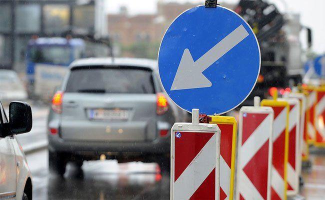 Staugefahr auf der Wiener Westeinfahrt.