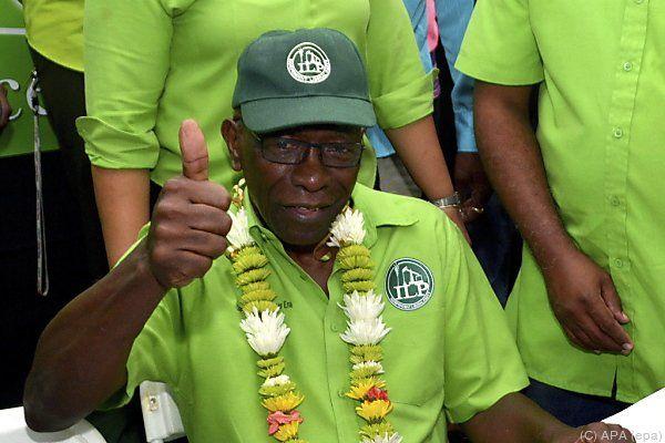 Warner hofft auf eingehende Kontrolle von Blatters Akte