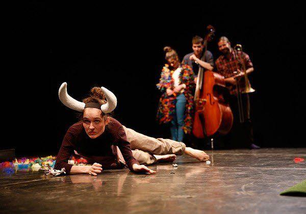 Musik- und Tanzperformance für Kinder feierte im Dschungel Wien Premiere