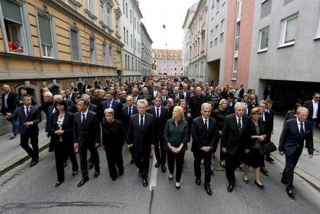 Nach Amokfahrt - Rund 12.000 Menschen gedachten in Graz der Opfer