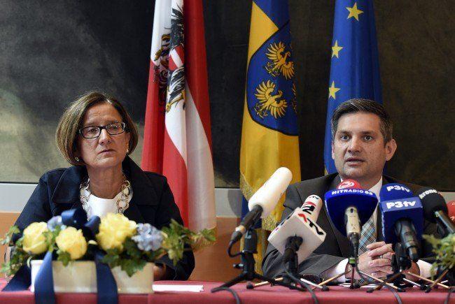 Innenministerin Johanna Mikl-Leitner und Maurice Androsch beim Landesreferententreffen zum Thema Asyl.