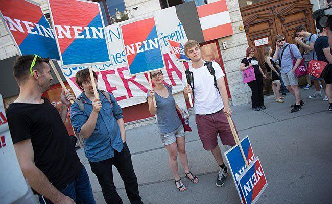 SPÖ-Jugend-Protest gegen ein Rot-Blau Bündnis im Burgenland