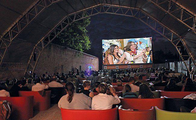 Spannende Filmkost bei jedem Wetter bietet das Kino im Schloss auch 2015 wieder