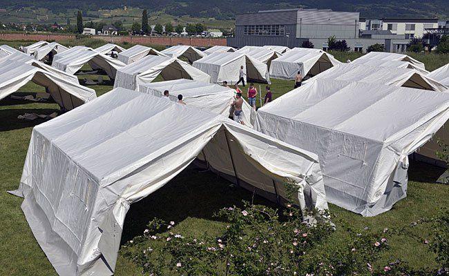 Nach den Flüchtlingszelten in Traiskirchen wird eine andere Unterbringung gesucht