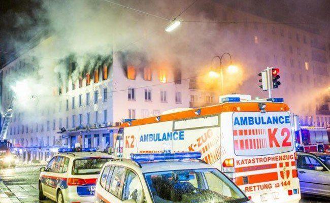 Bei dem Brand am Hohen Markt ist eine Frau ums Leben gekommen.