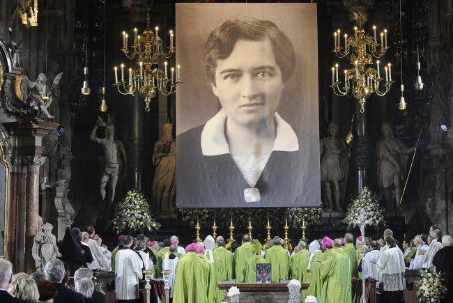 Seligsprechung der Hildegard Burjan 2012 im Wiener Stephansdom.