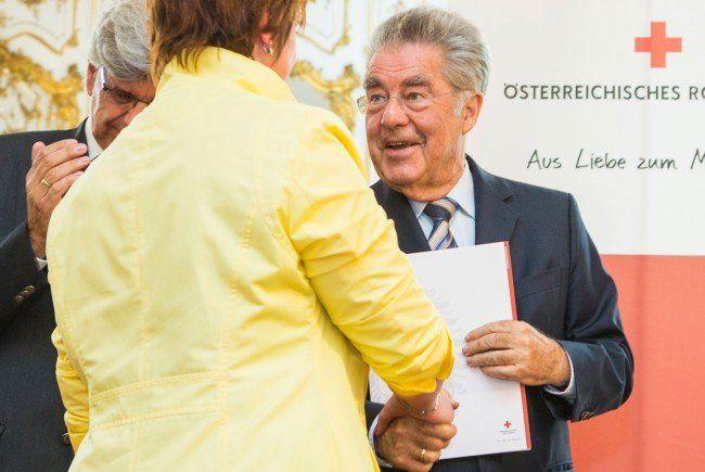 Bundespräsident Fischer bedankt sich für das große Engagement der Blutspender.