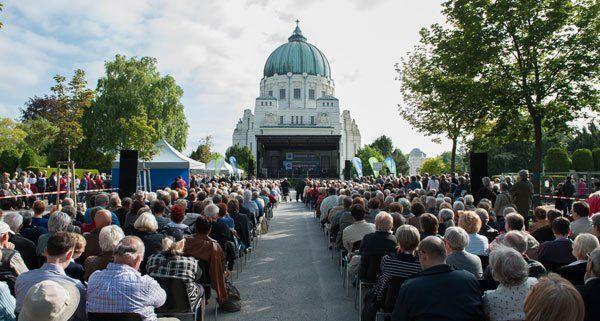 Das Nachklang lockt das Publikum zum Wiener Zentralfriedhof