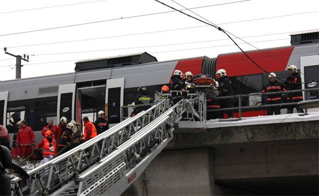Bei dem Unglück 2013 wurden mehrere Fahrgäste verletzt.